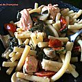 One pot pasta : macaronis, epinards, saumon, champignons, tomates