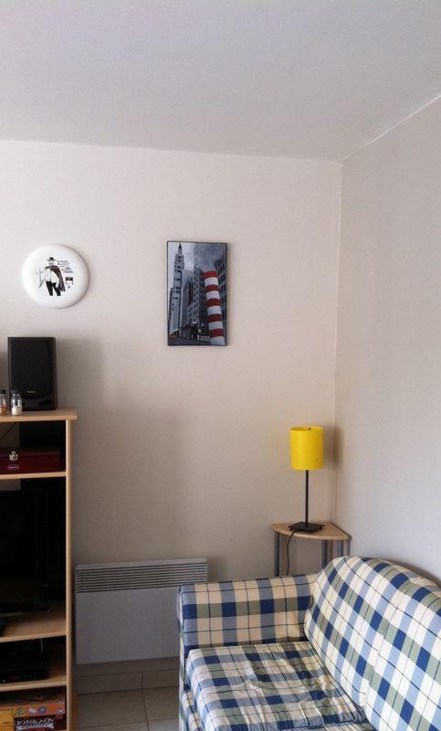 chez le nouveau propri taire c line cr ations. Black Bedroom Furniture Sets. Home Design Ideas