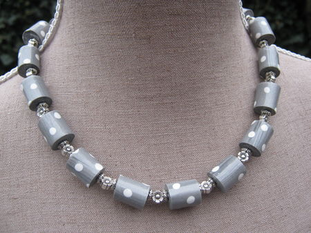 collier_tube_gris