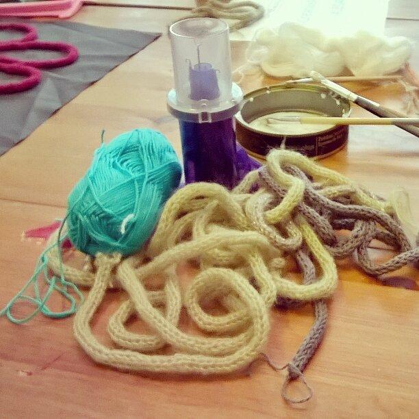 Atelier-créatif-mot-en-tricotin