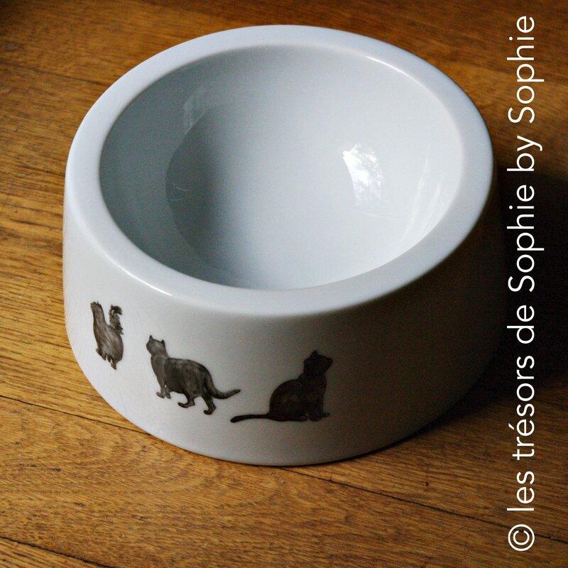 Porcelaine peinte à la main gamelle chats noirs © les trésors de Sophie by Sophie