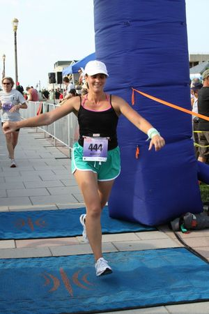 finish tri jersey girl