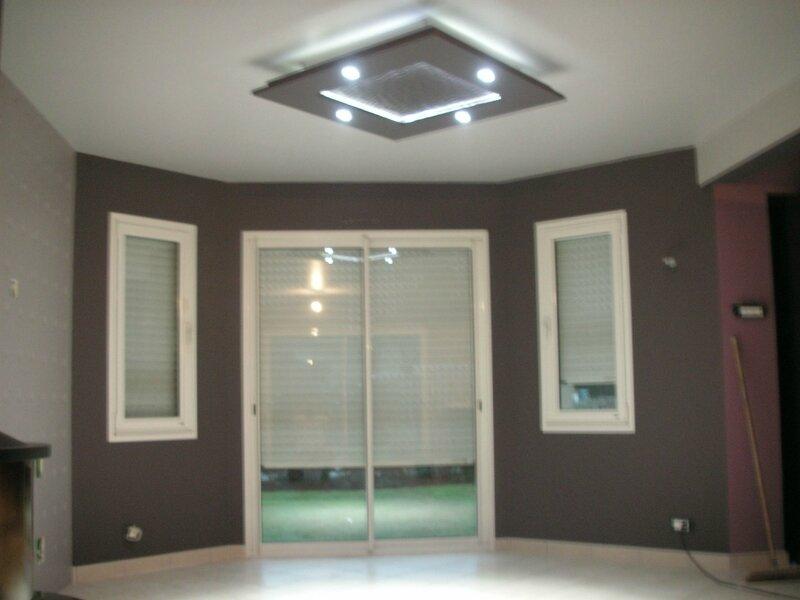 pose de luminaire en staff saillant d co. Black Bedroom Furniture Sets. Home Design Ideas
