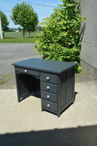 bureau administratif peint la petite brocanteuse. Black Bedroom Furniture Sets. Home Design Ideas
