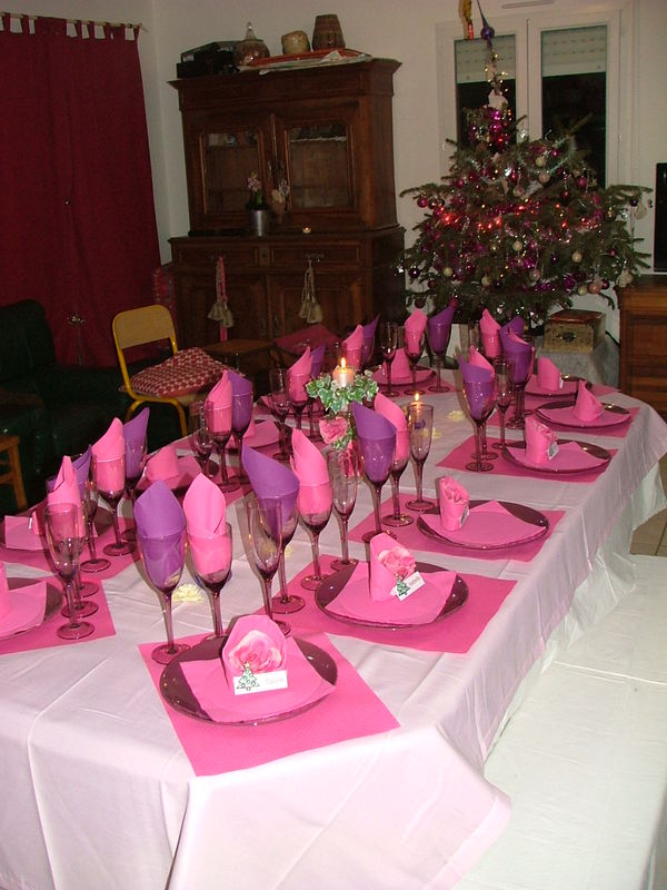 Ma table de noel rose of course mes petits secrets de for Decoration de noel rose