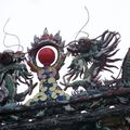 Dragons sur le toit d'un temple