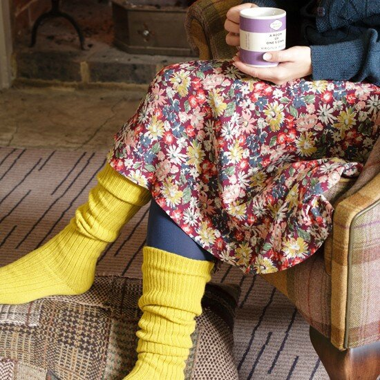 country-cottage-decor-country-homes-Interiors-socks
