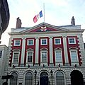 Drapeau en berne au york mansion house