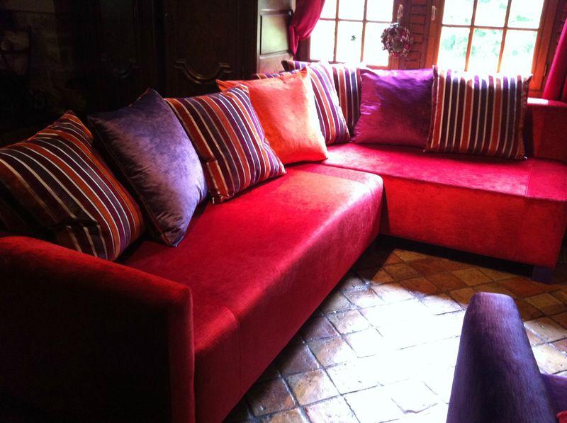 Canap d 39 angle et fauteuil de mr et mme c tendance chic - Gros coussins de canape ...