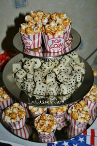 presentoir_cake_pops_dés_pop_corn_cupcakes