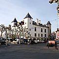 800px-Saint_Jean_de_Luz_Mairie