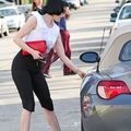 Dita-Von-Teese-Shopping-in-Hollywood-2