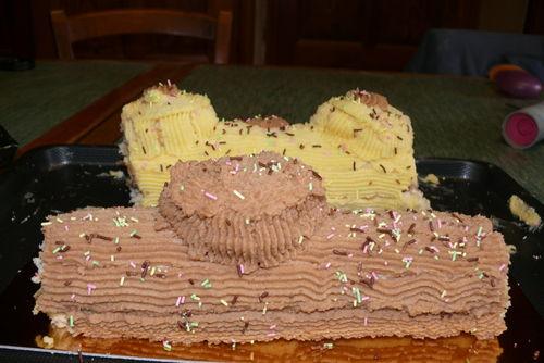 2008 12 31 Bûche au crème au beurre que Cyril viens de faire