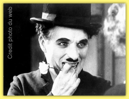 City-Lights-charlie-chaplin-14440701-500-379