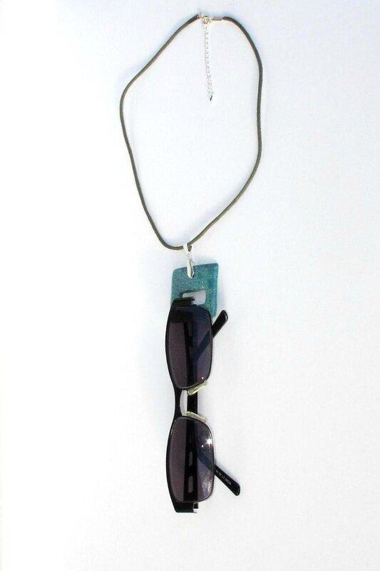 pendentif carré clay gun vert