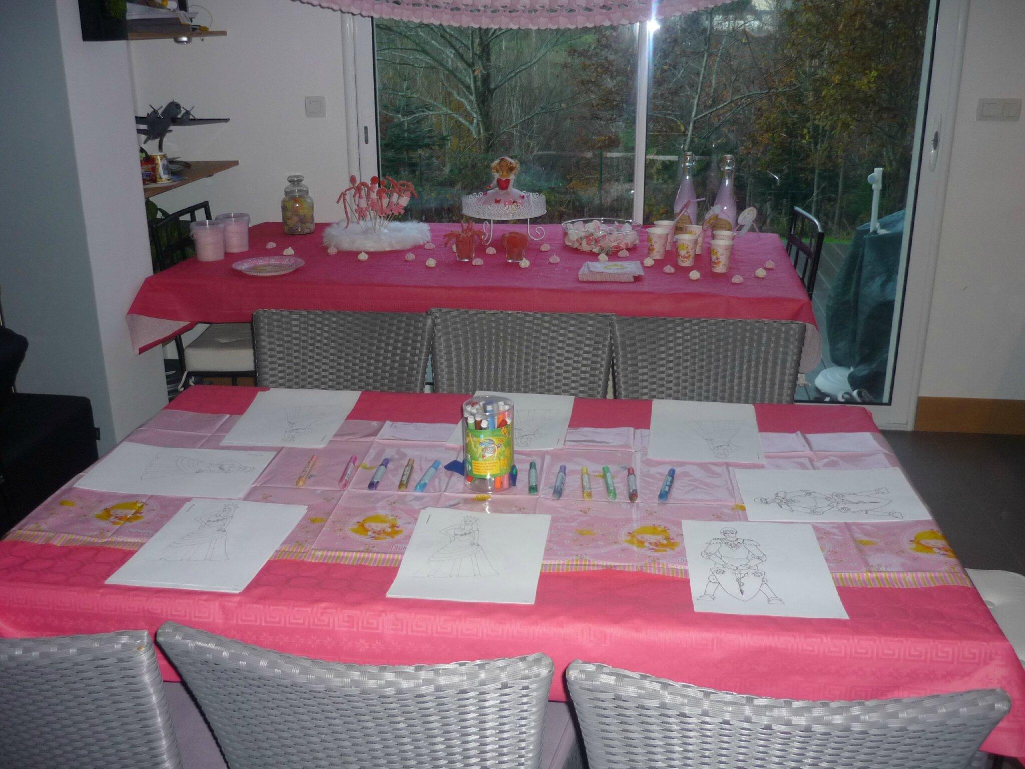 sweet table rose pour un go ter d 39 anniversaire de princesses chez ale. Black Bedroom Furniture Sets. Home Design Ideas