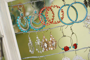 shabby_chic_altered_picture_frame_dangly_earring_jewelry_display_holder_10