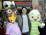 Premiere_Disney_Animated_Feature_Chicken_Little__mJcOFjIBDBl
