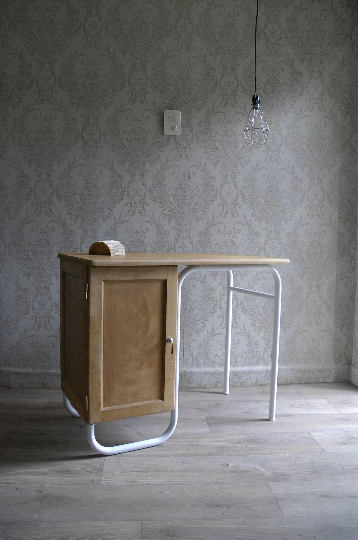 Bureau maître décole bois ciré blanc (Vendu)  Atelier