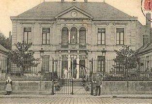 L'Hôtel de Ville de Gien qui accueille nos locaux.
