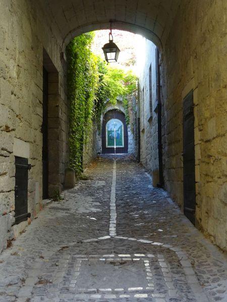 UZES (22) Quartier historique