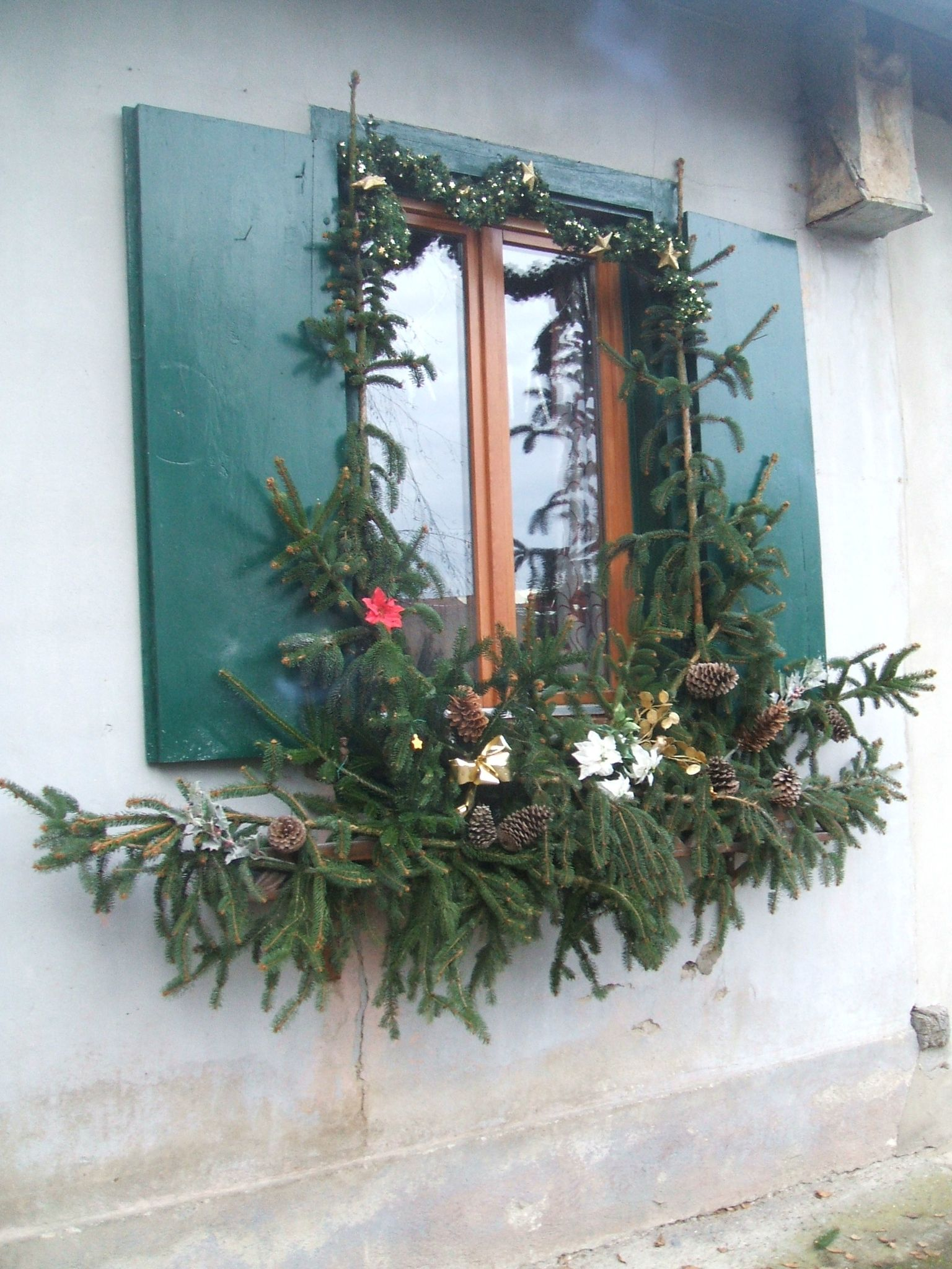 Deco de fen tre au naturel peneloppe ou les al as du for Decoration porte pour noel