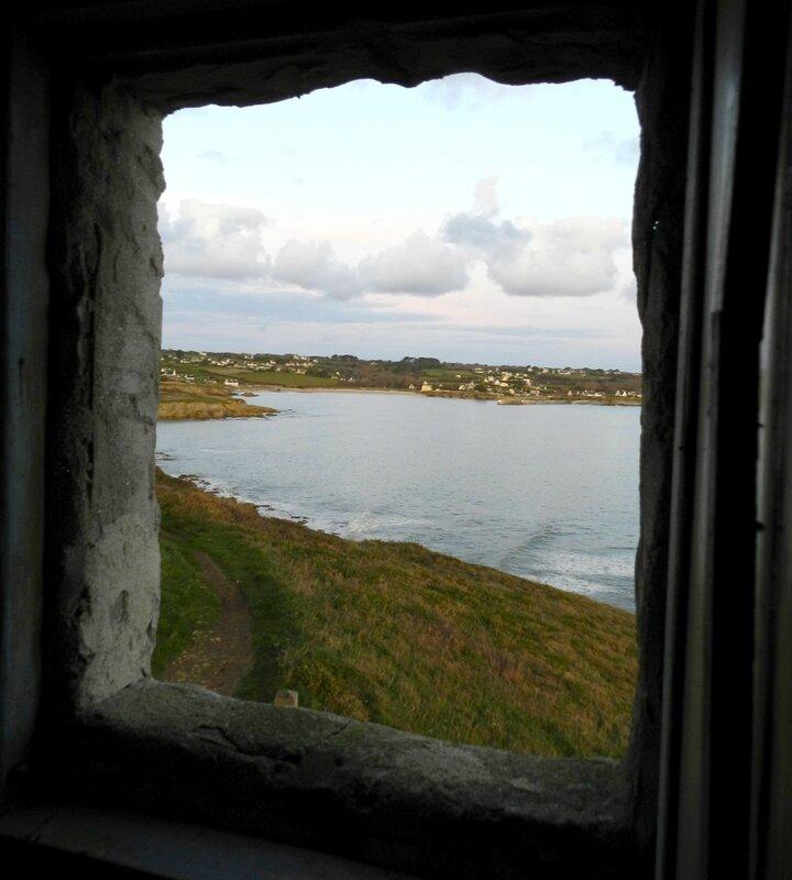 Ch23 - interieur de la petite maison de la pointe des moutons au Loch Plogoff 3