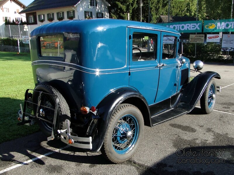 ford-a-fordor-deluxe-1930-02
