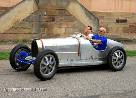 Bugatti type 35B de 1926 (Retrorencard aout 2012) 01