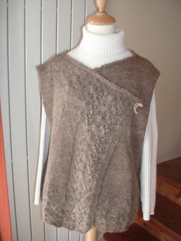 Petite veste en Lama lainé, réalisé à partir de la toison brut