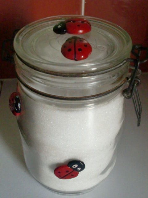 Coccinnelles en fimo pour d co d 39 un pot de cuisine for Pots cuisine decoration