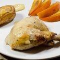 Poulet à la moutarde maille truffe et chablis, kaki rôti