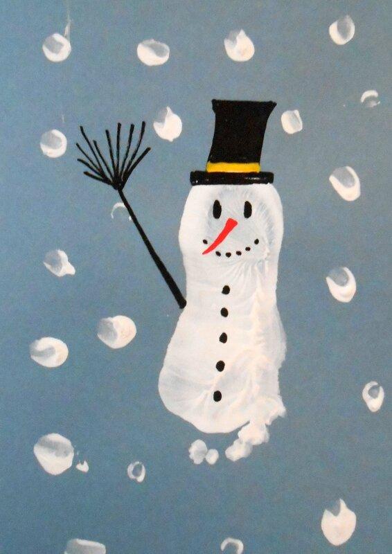 bonhomme-de-neige-hiver-activité-manuelle-enfants-enfant-facile-simple-empreinte-pied (2)