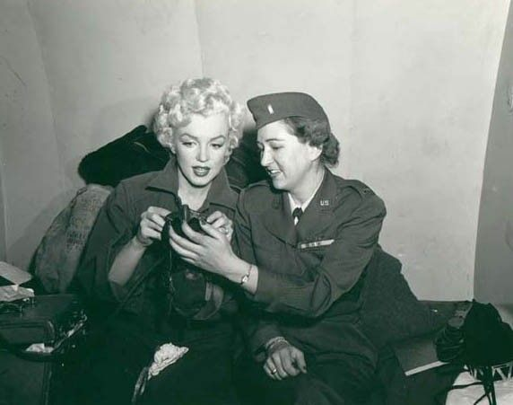 1954-02-16-4_base_1st_marine_division-kaki-with_woman-1