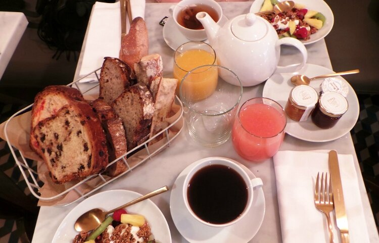 la_petite_table2