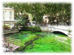 Fontaine_de_Vaucluse3