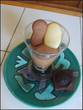 Glace_au_chocolat_et_langues_de_chat___2_Juillet_2010__2_