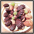 Madeleines au beurre de cacahuète en coque de chocolat