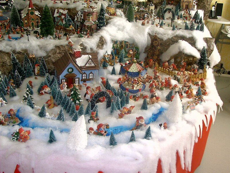 Pdr 0013 photo de village de no l 2004 noel miniature - Village de noel fait maison ...