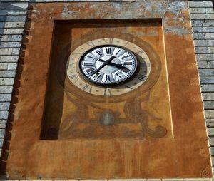 horloge_sur_la_tour_est