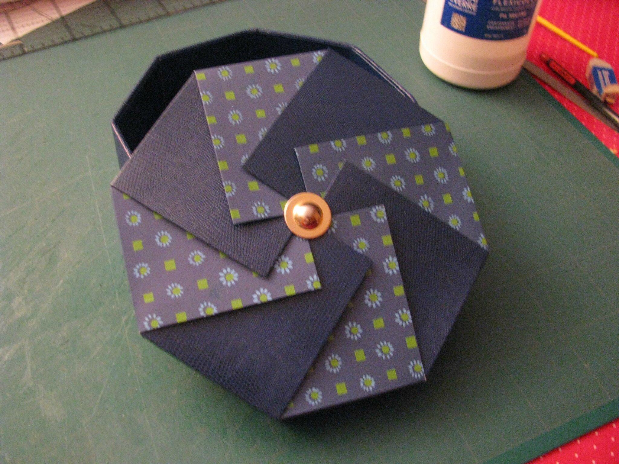 boites octogonales, à sacs, et diverses