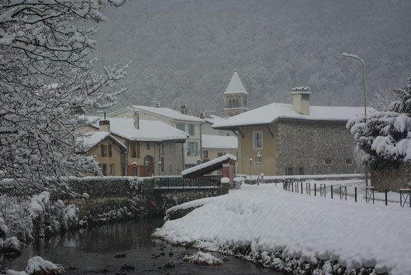 village_sous_la_neige