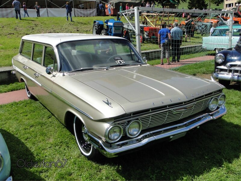 chevrolet-nomad-1961-a