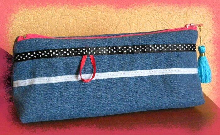 trousse bleu jean dos