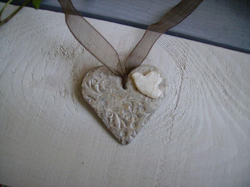 coeur motifs fleurs et oiseau