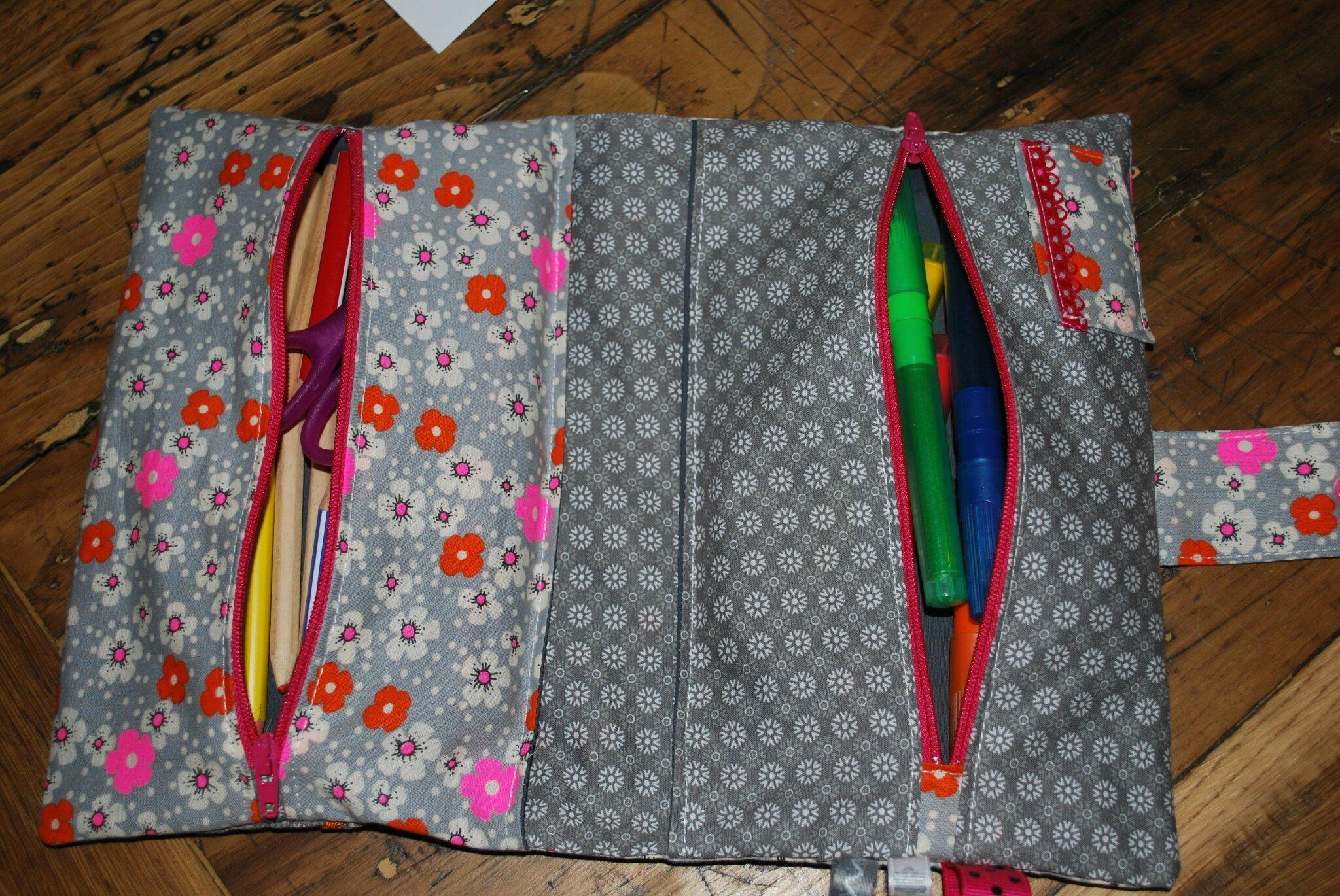 Trousse double carnet de la neige en avril - Tuto trousse crayons de couleur ...