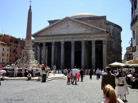 Rome Piazza Rotonda et le pantheon mai 2012