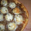 Pizza à l'oignon et au chèvre