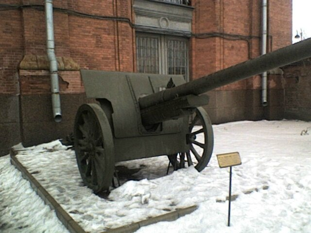 107mmM1910SchneiderStPetersburg1