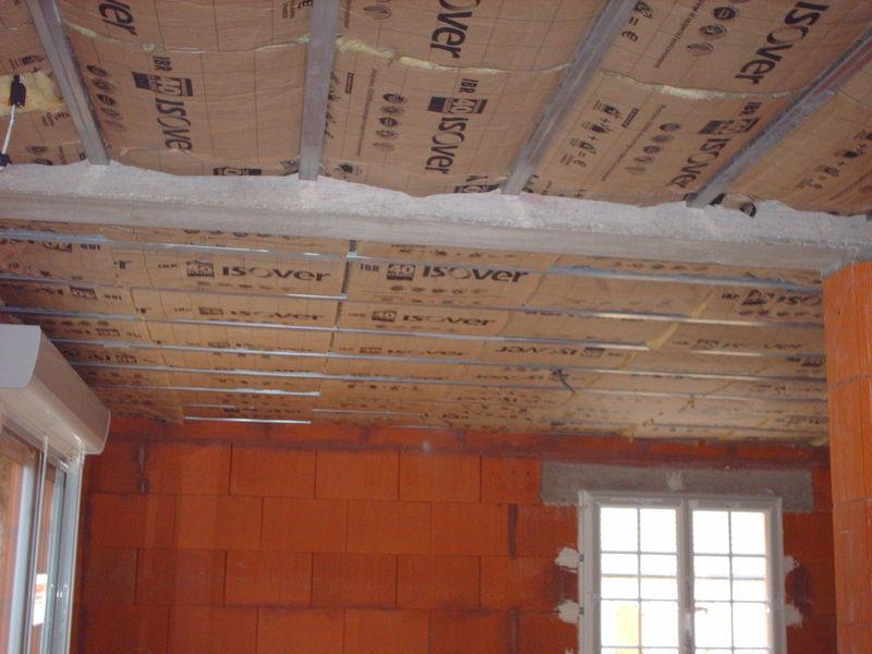 Plafond de la salle de bain chez st phanie et christophe for Salle de bain plafond bas